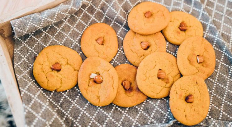 Slastno in zdravo: Veganski žafranovi piškoti brez moke
