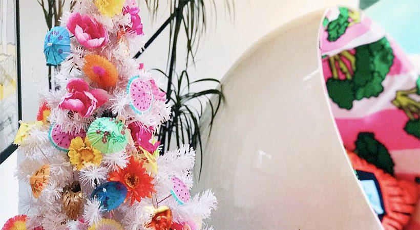 Praznično: Oglej si najbolj barvite praznične dekoracije domov