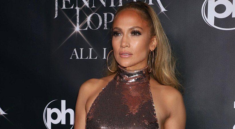 Kako ti kapljice za oči pomagajo do sijočega izgleda Jennifer Lopez