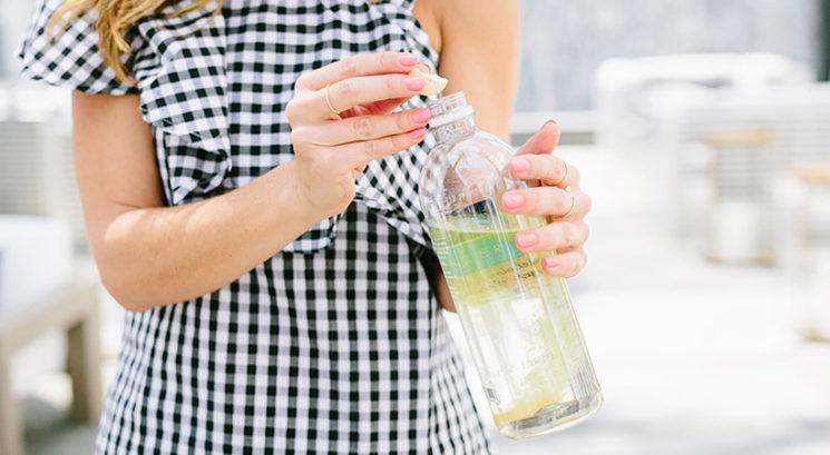 Ali lahko pitje večjih količin vode pomaga pri hujšanju?