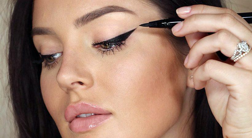 """Makeup osnove: Kako s tekočim črtalom enostavno narediti """"cat-eye"""""""