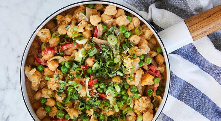 Brezglutensko: Zelenjavni kokosov curry s čičeriko