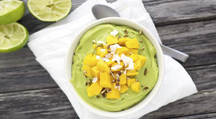 Poletni recept: Kremast avokadovo-limetin puding