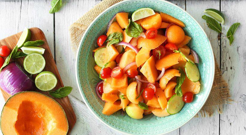 Poletni recept: Solata z melono, paradižnikom in kumaro