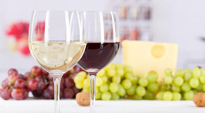 Imaš raje rdeče ali belo vino? Poglej, kaj vse razkrije tvoj odgovor!