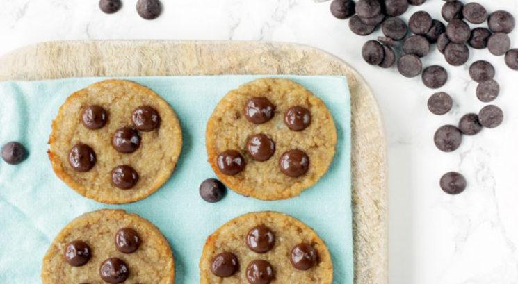 Veganski recept: Najbolj zdravi piškoti s čokolado (iz samo 3 sestavin!)