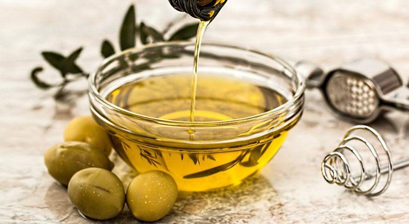 Dilema: Ali olivno olje res koristi tvoji koži?