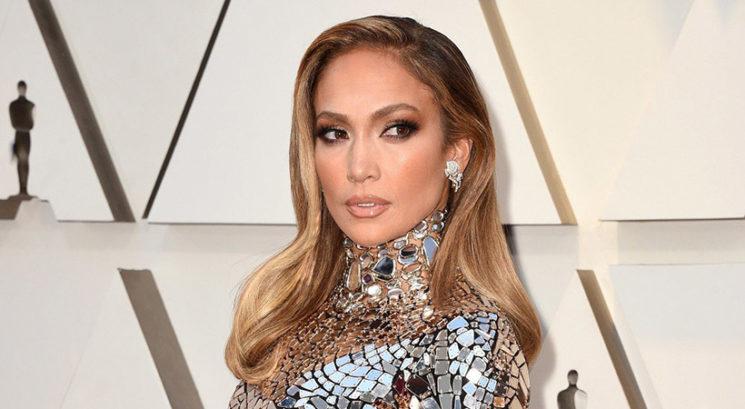 6 lepotnih izdelkov, ki jih Jennifer Lopez uporablja za njen prepoznavni sijaj