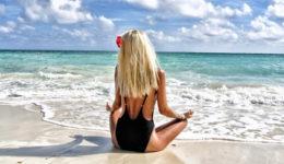 Zanimiva teorija, zakaj tvoji lasje poleti posvetlijo