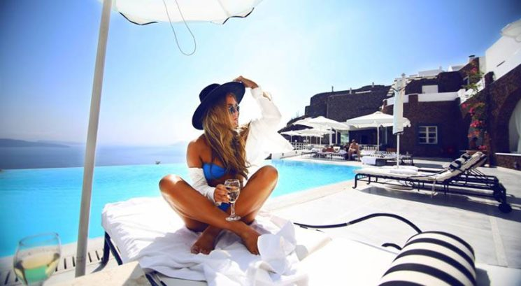6 načinov, kako obnoviš od sonca poškodovano kožo in lase