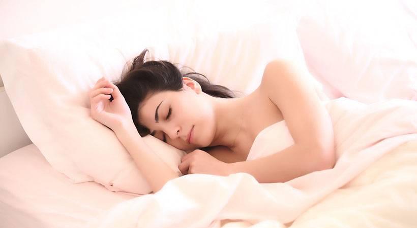 Spanje v hladnejši spalnici je koristno za tvoje zdravje
