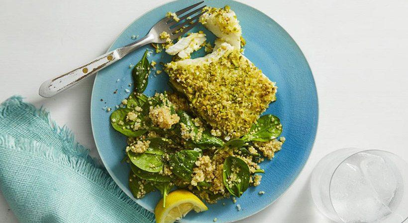 Recept: File ribe v skorjici iz pistacije s kvinojo
