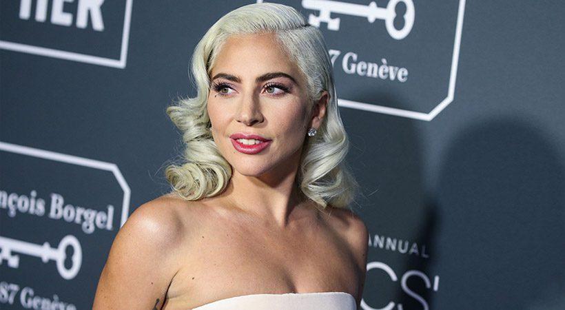Lady Gaga šokirala z novo barvo las!
