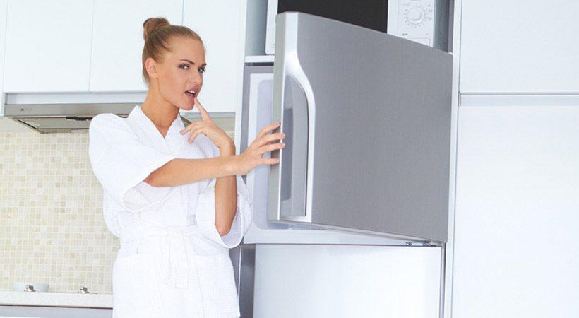 Nepričakovan pripomoček, ki ga NUJNO potrebuješ v zamrzovalniku