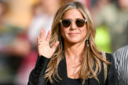 Jennifer Aniston s prestola zrinila Meghan Markle in princa Harryja!
