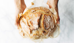 Recept: Čarobni kruh brez gnetenja