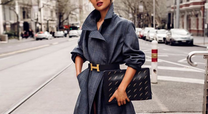 Modna zima: 4 načini, kako nositi plašč s pasom