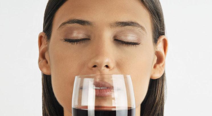 Dokazano: Vonjanje vina je dobro za tvoje zdravje!