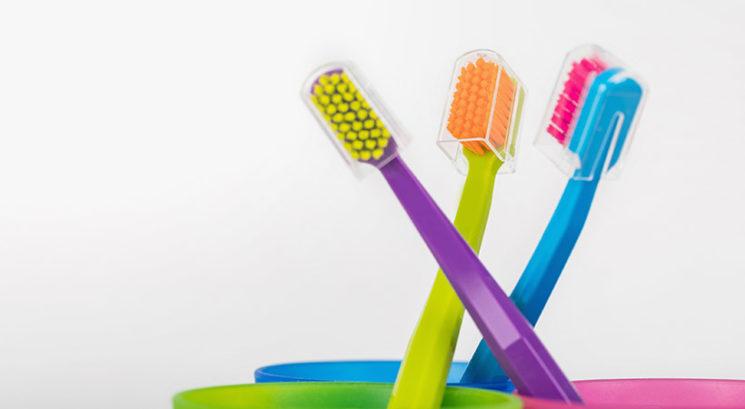 ZATO zobne ščetke nikoli ne pokrivaj s pokrovčkom!