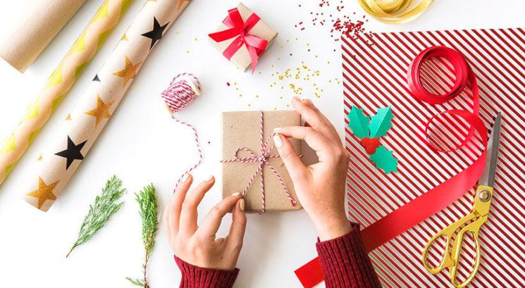 TA genijalen trik za zavijanje daril te bo pustil odprtih ust!