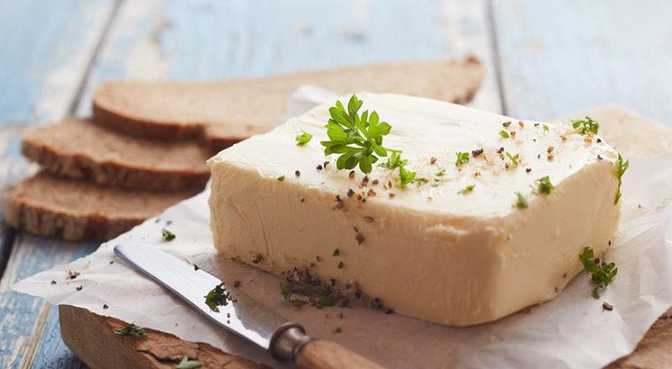 Dilema: Ali lahko zamrznemo maslo?