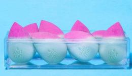 Znamka Beautyblender lansirala prvo gobico, ki spreminja barvo!