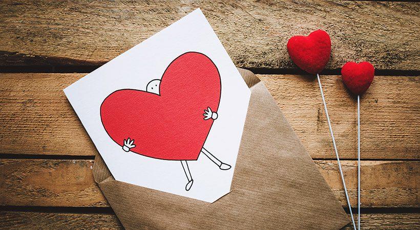 Kaj mu podariti za valentinovo? To je najbolj zabavno in uporabno darilo!