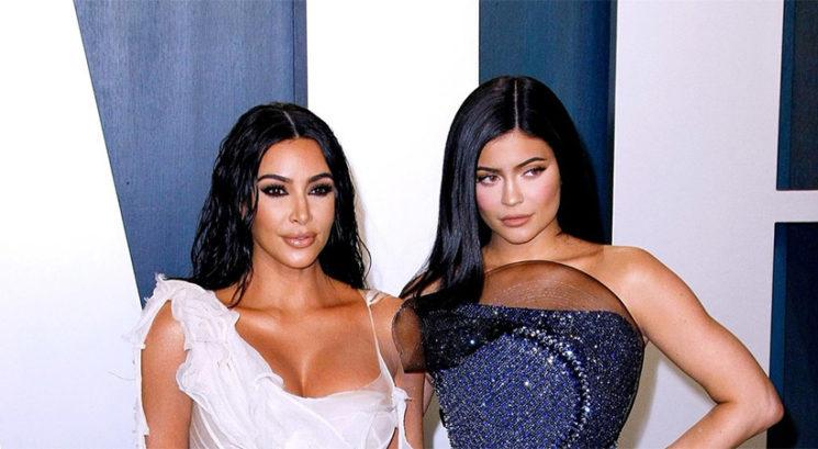 Kim Kardashian in Kylie Jenner oblekli pretesni obleki