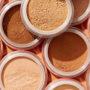 Lepotni trik: Kako iz pudra v prahu narediti obarvano kremo ali olje