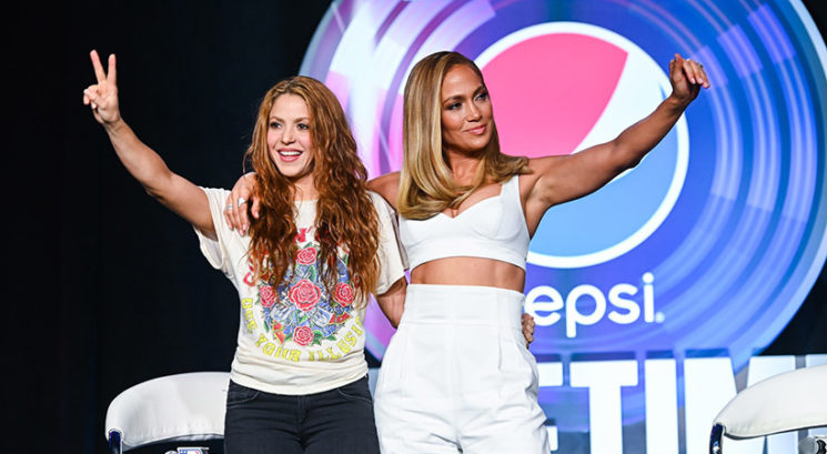 Sta bili Jennifer Lopez in Shakira navdih tema dvema moškima glasbenikoma?