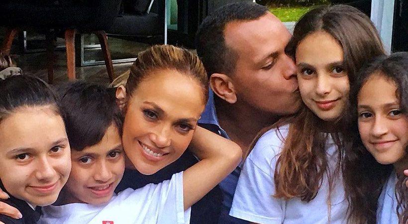 TikTok družina! Jennifer Lopez in Alex Rodriguez v novem videu plešeta z otroci
