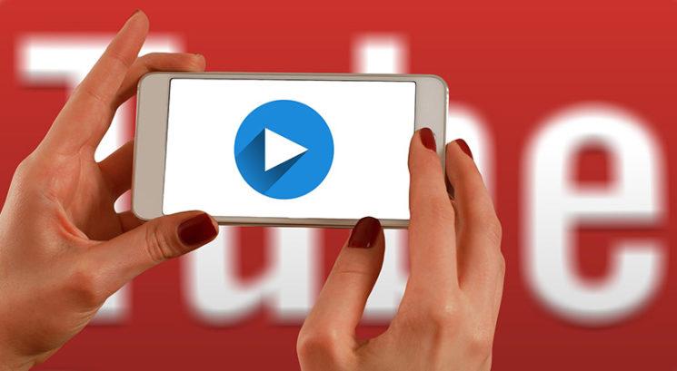 """Youtube ustvarja """"Shorts"""" – konkurenco aplikaciji TikTok"""