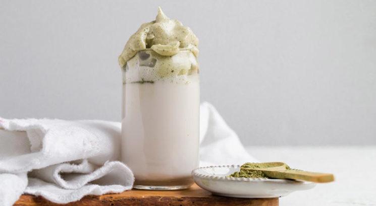 Keto recept: Zdrav Dalgona matcha latte