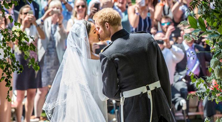 Se je princ Harry z Meghan Markle res poročil zaradi TEGA?