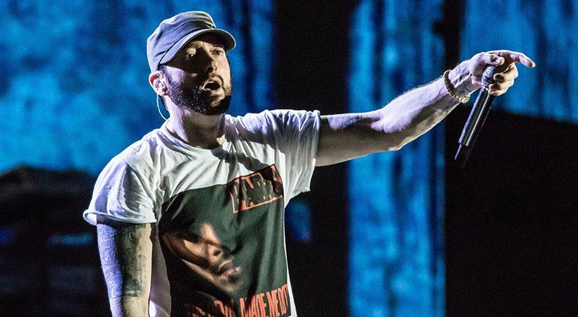 Eminem na spletu objavil telefonsko številko