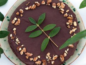 Zdravo in slastno: Jogurtova 50-kalorijska čokoladna torta
