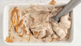 Poletni okusi: Sladoled iz samo 2 sestavin (in neskončno okusov)